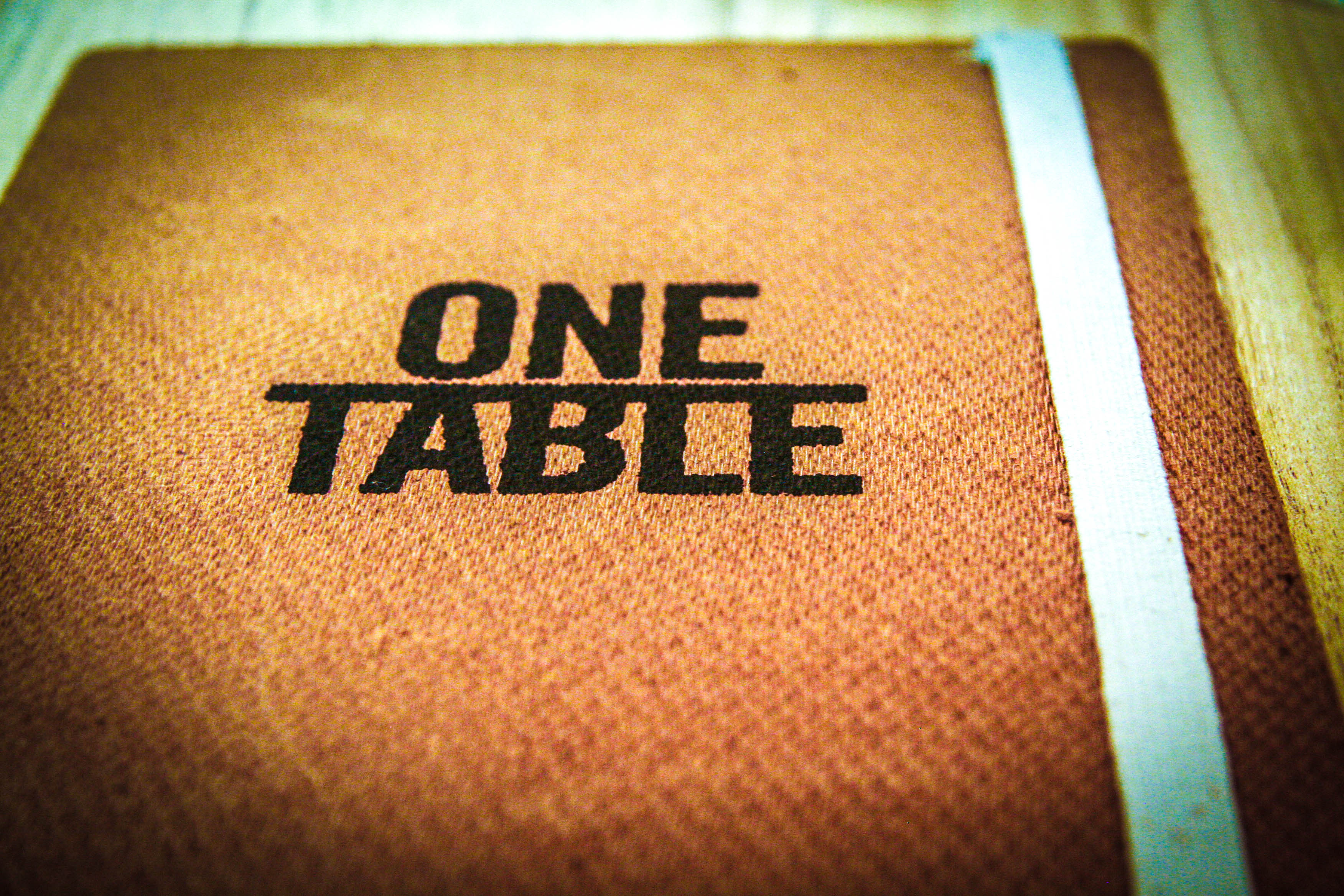 One Table With Hernán Gipponi Pick Up The Fork - Oen table